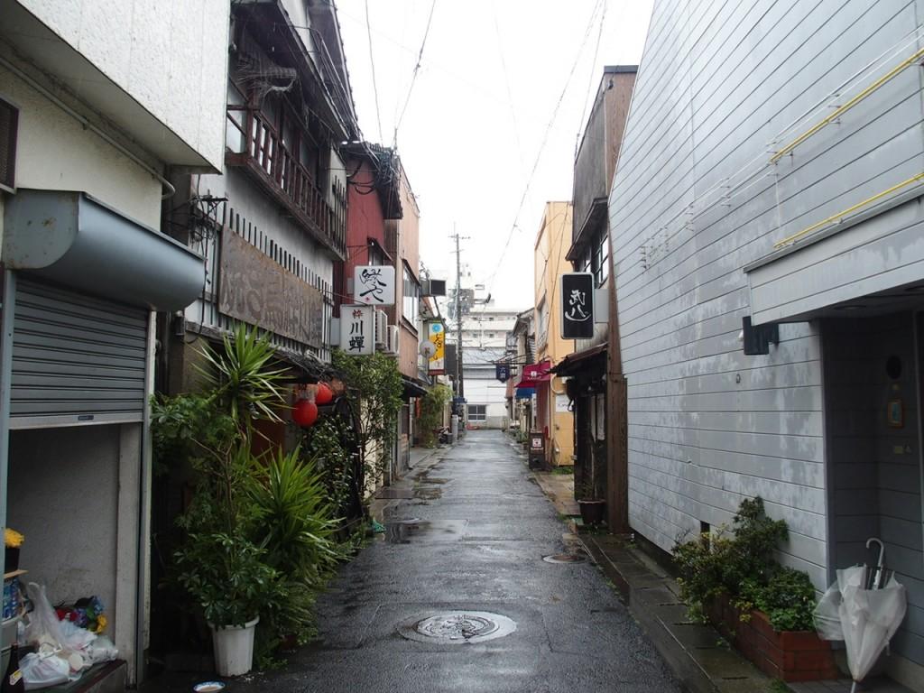 佐賀歓楽街裏路地