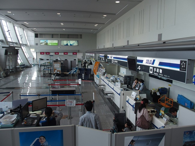 佐賀空港チケットロビー
