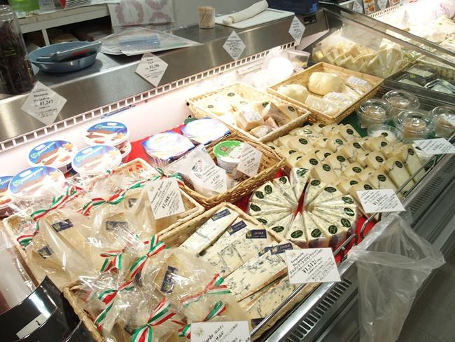 佐賀玉屋イタリア展チーズ