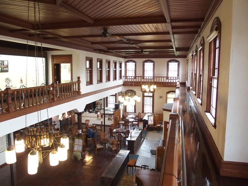 旧古賀銀行内装