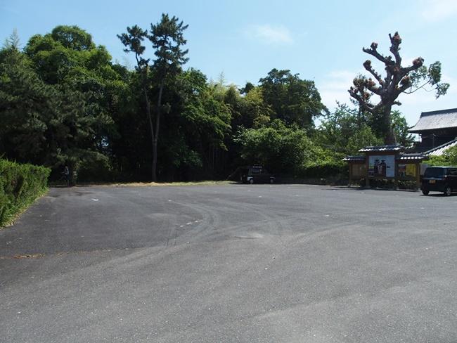 高伝寺駐車場