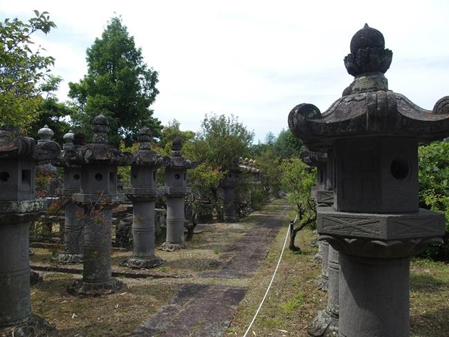 高伝寺燈籠