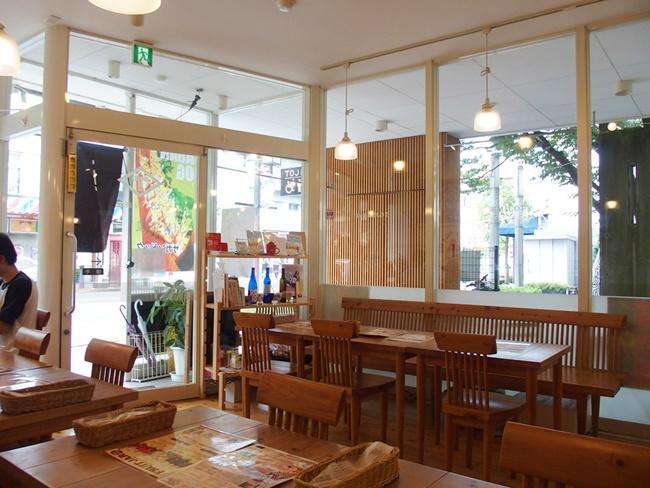 TOJIN茶屋店内1