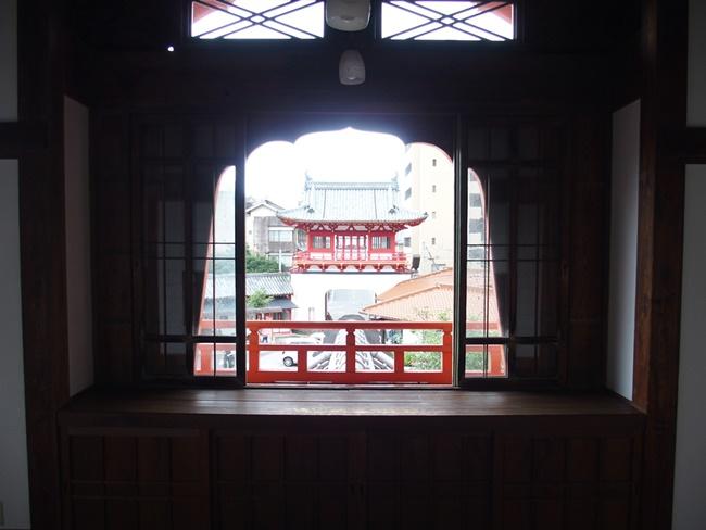 武雄温泉新館窓