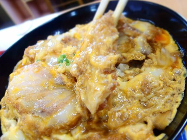 丸徳カツ丼3