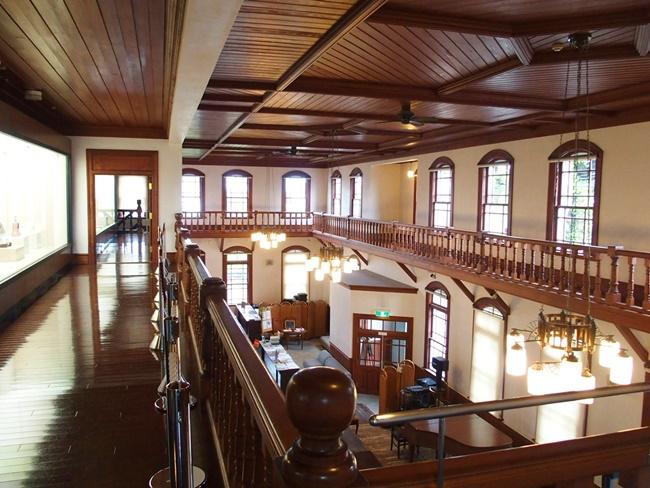 旧古賀銀行2階