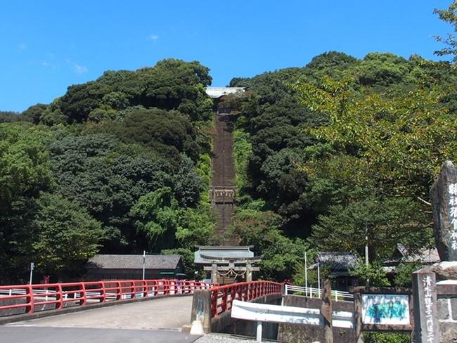 須賀神社遠景