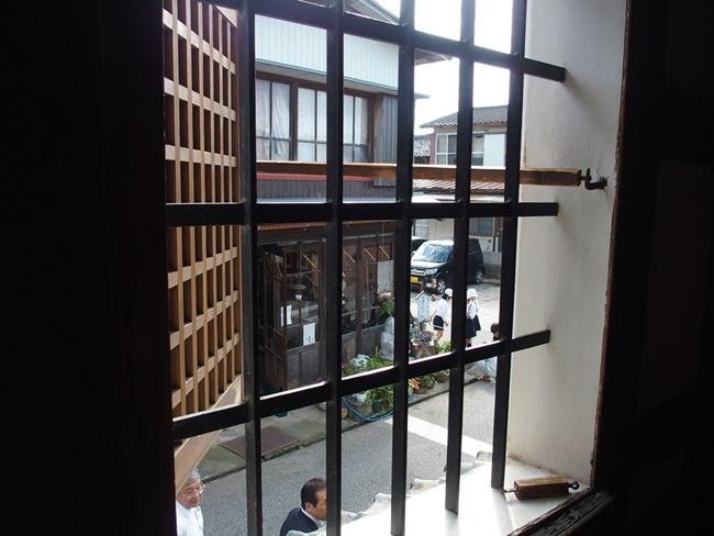 肥前浜宿継場二階窓