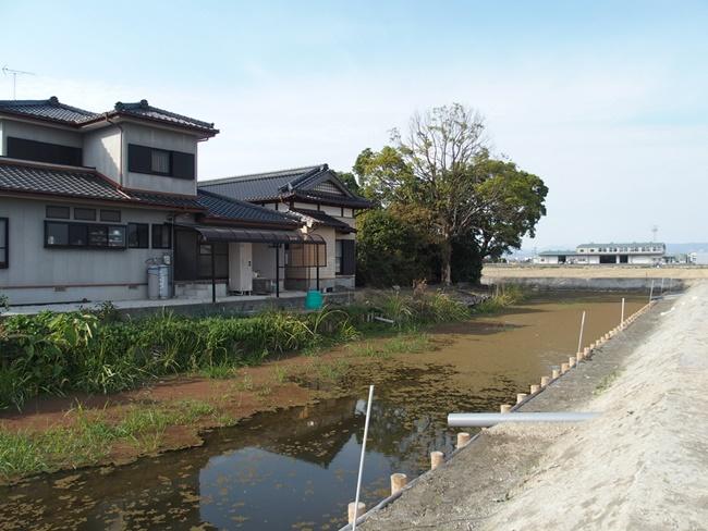 飯盛城跡東側水濠