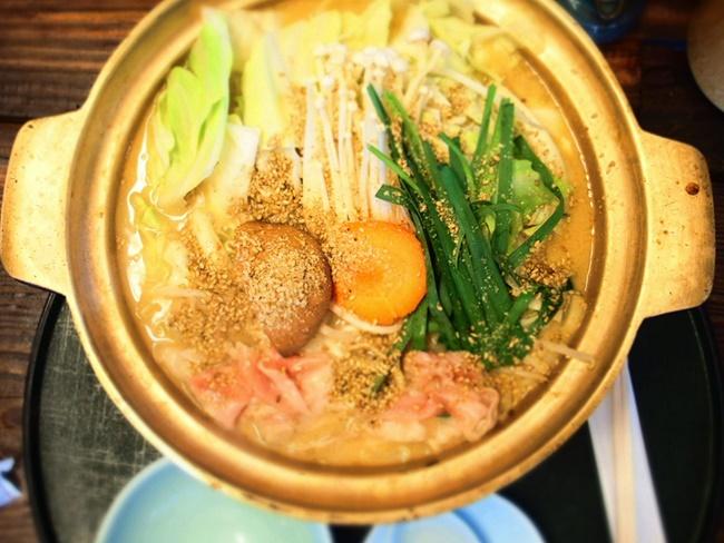 「うどん・ちゃんこ大地」佐賀の超有名ちゃんこ鍋店でランチ食べたよ。B級グルメ最高!