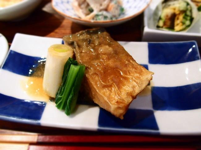 一丁一心煮魚