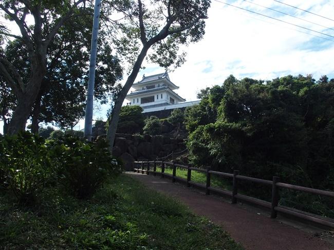 竹崎城跡海へ通路