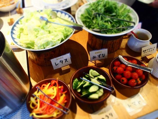 梅の花ほたるサラダコーナー
