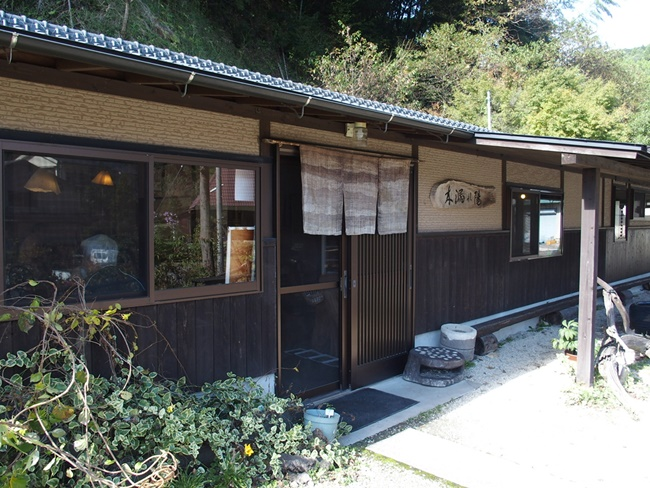 「木漏れ陽」佐賀富士町にある珍しいそば農園直営店『そばの芽料理とそば』の名店です。