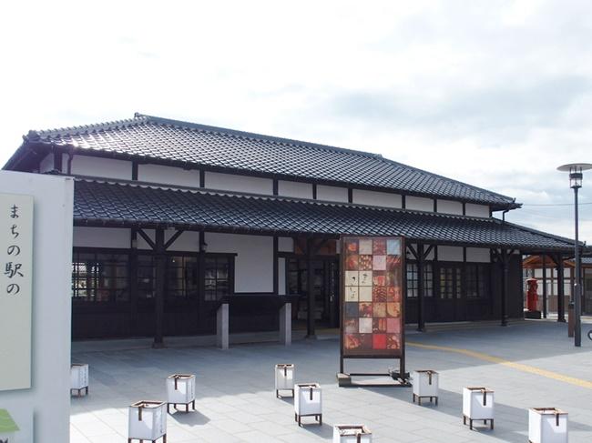 「小城駅」明治期の駅舎が現存する佐賀小城市の玄関口。国登録有形文化財へ