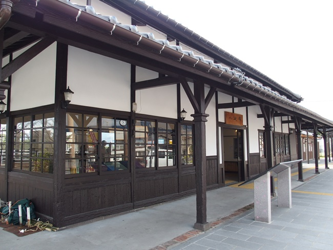 小城駅駅舎1