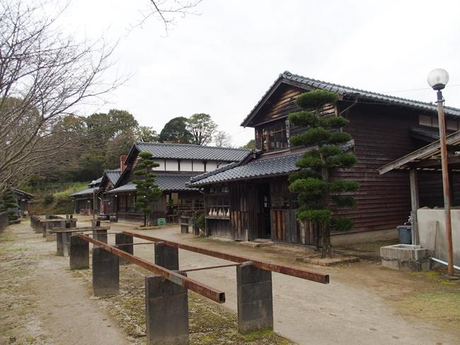 志田焼の里通路2