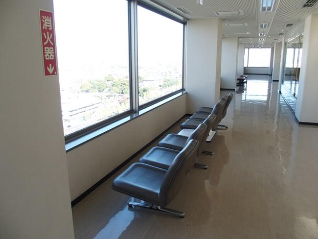 佐賀県庁展望ホールソファ