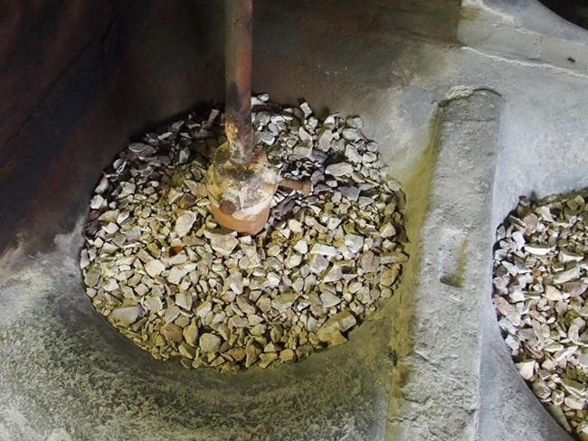 塩田焼の里陶土工場2