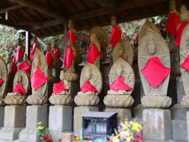 「空山観音堂三十三体石仏像」佐賀小城市の山深くにあるパワースポット