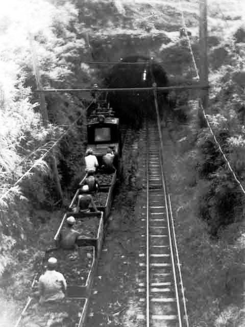 杵島炭鉱鉄道トンネル1