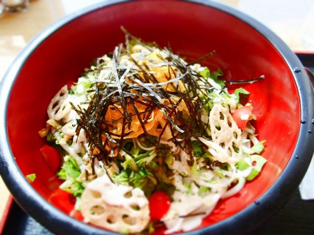 「マジェンバ」佐賀空港のレストラン『カンフォーラ』で佐賀小城市のご当地グルメを食べてきました。