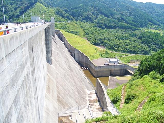 嘉瀬川ダム2