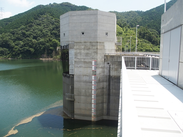 嘉瀬川ダム9