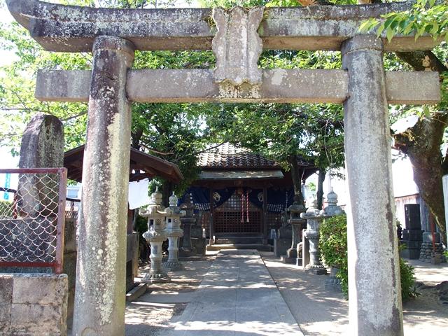 与賀神社参道20