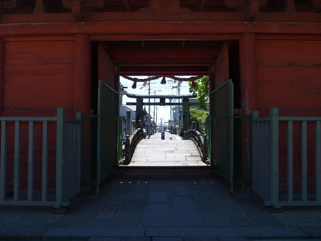 与賀神社参道2